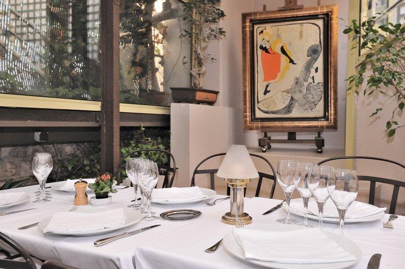 Chez frezet restaurant paris 18 adresse t l phone - Parking porte de clignancourt paris 18 ...